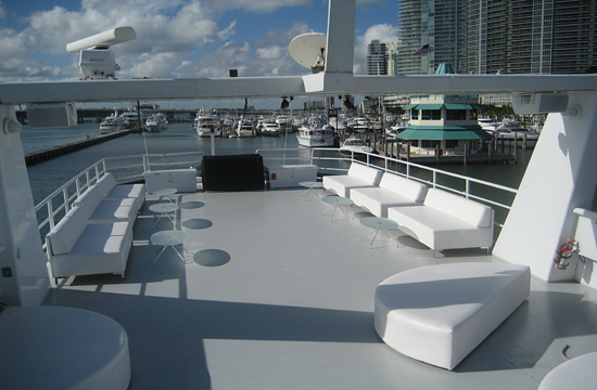Carrousel Yacht event